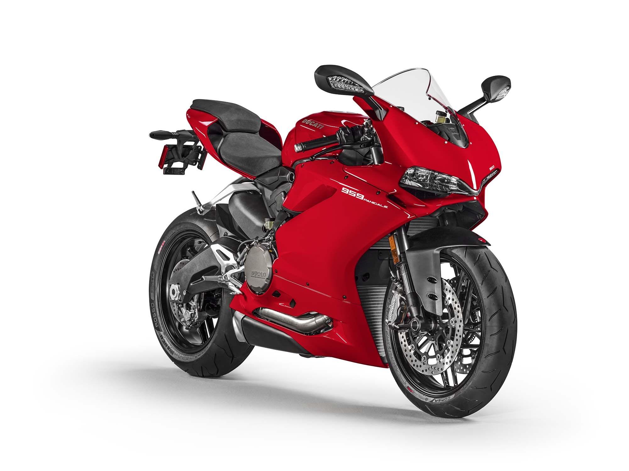 2016-Ducati-959-Panigale-USA-model-09 - BikesRepublic