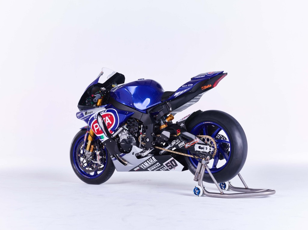 2016-Yamaha-YZF-R1-World-Superbike-13