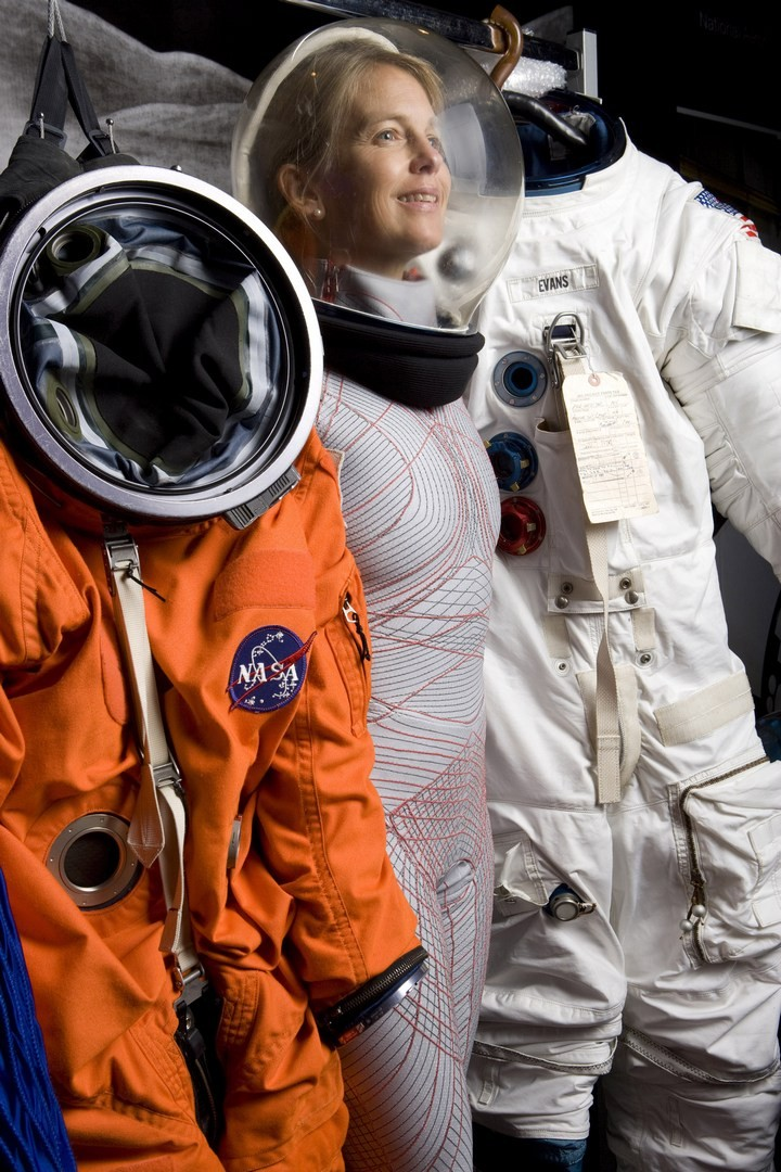 astronaut suit on mars - photo #34