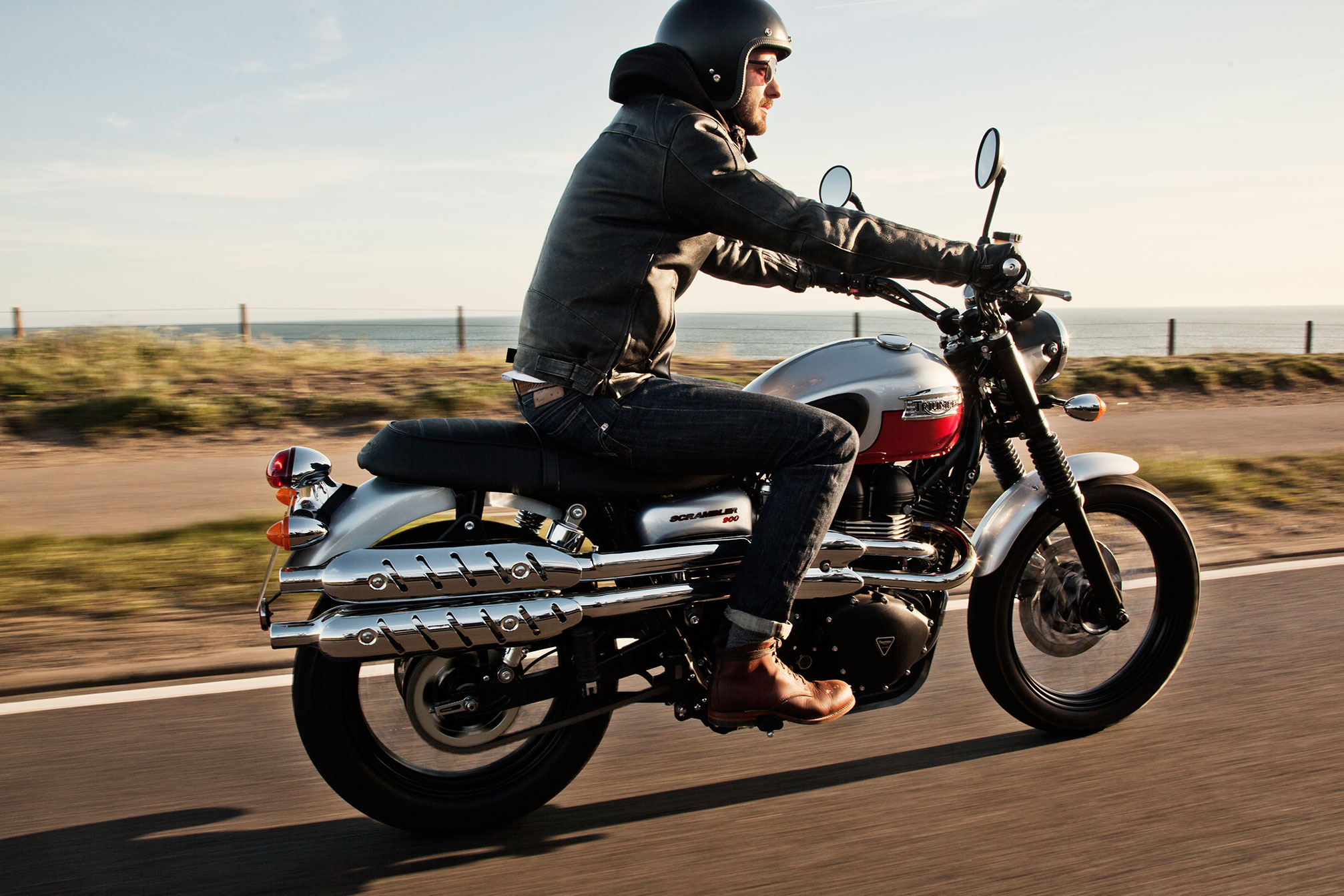 new triumph scrambler spied more variants coming bikesrepublic. Black Bedroom Furniture Sets. Home Design Ideas