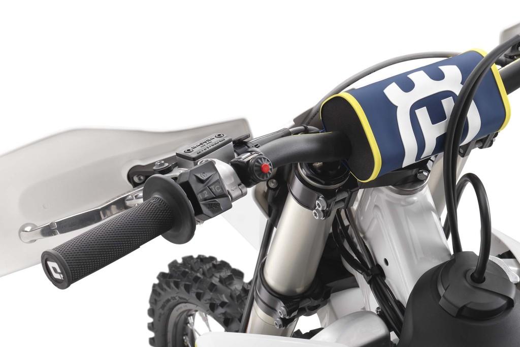 2017 husqvarna motocross models get traction control bikesrepublic. Black Bedroom Furniture Sets. Home Design Ideas