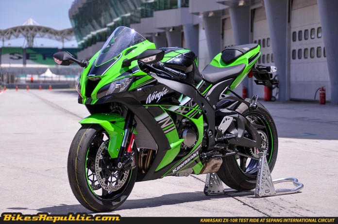 2016 kawasaki zx10r tested on track