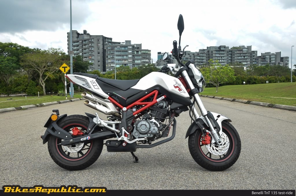 test ride benelli tnt 135 mighty mini moto bikesrepublic. Black Bedroom Furniture Sets. Home Design Ideas