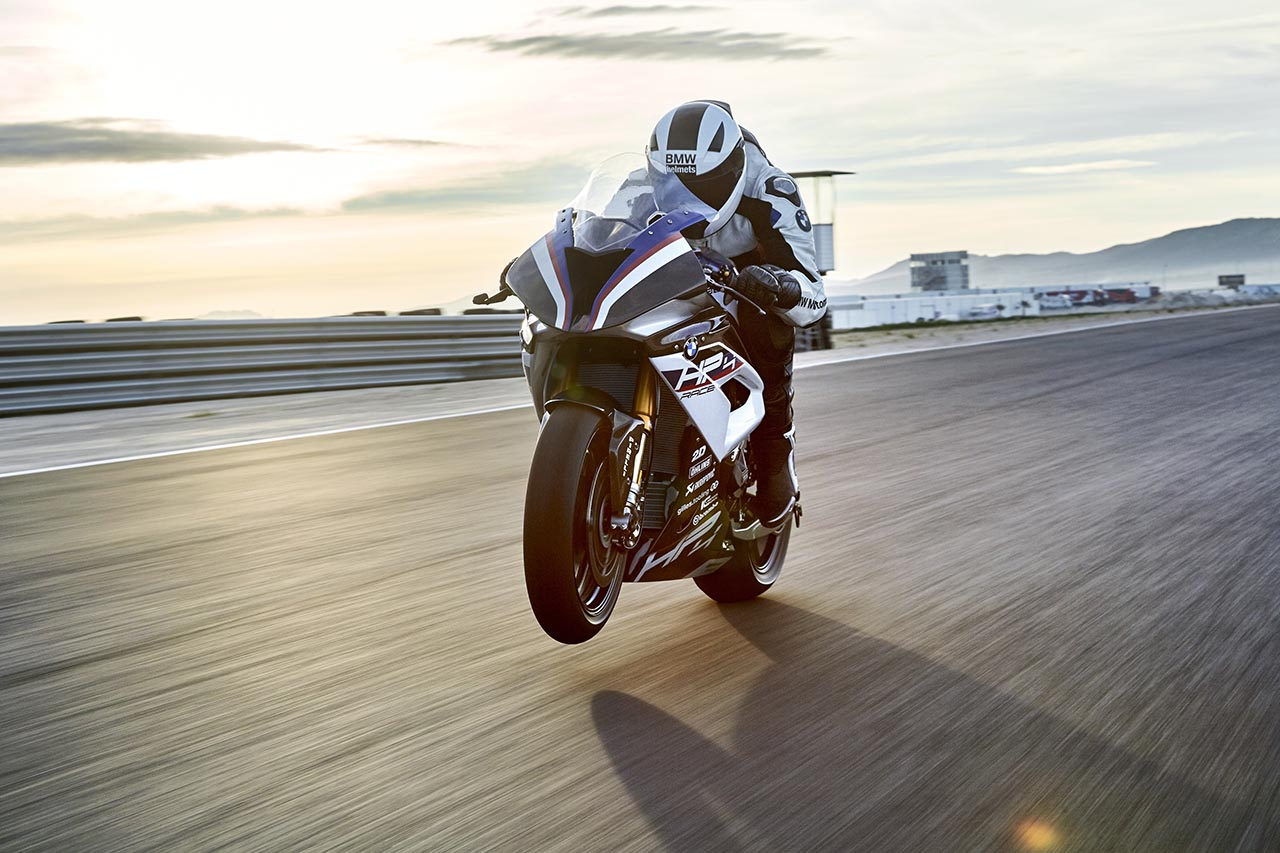 Bmw Introduces Ultra Light Superbike The Hp4 Race Rm383 395