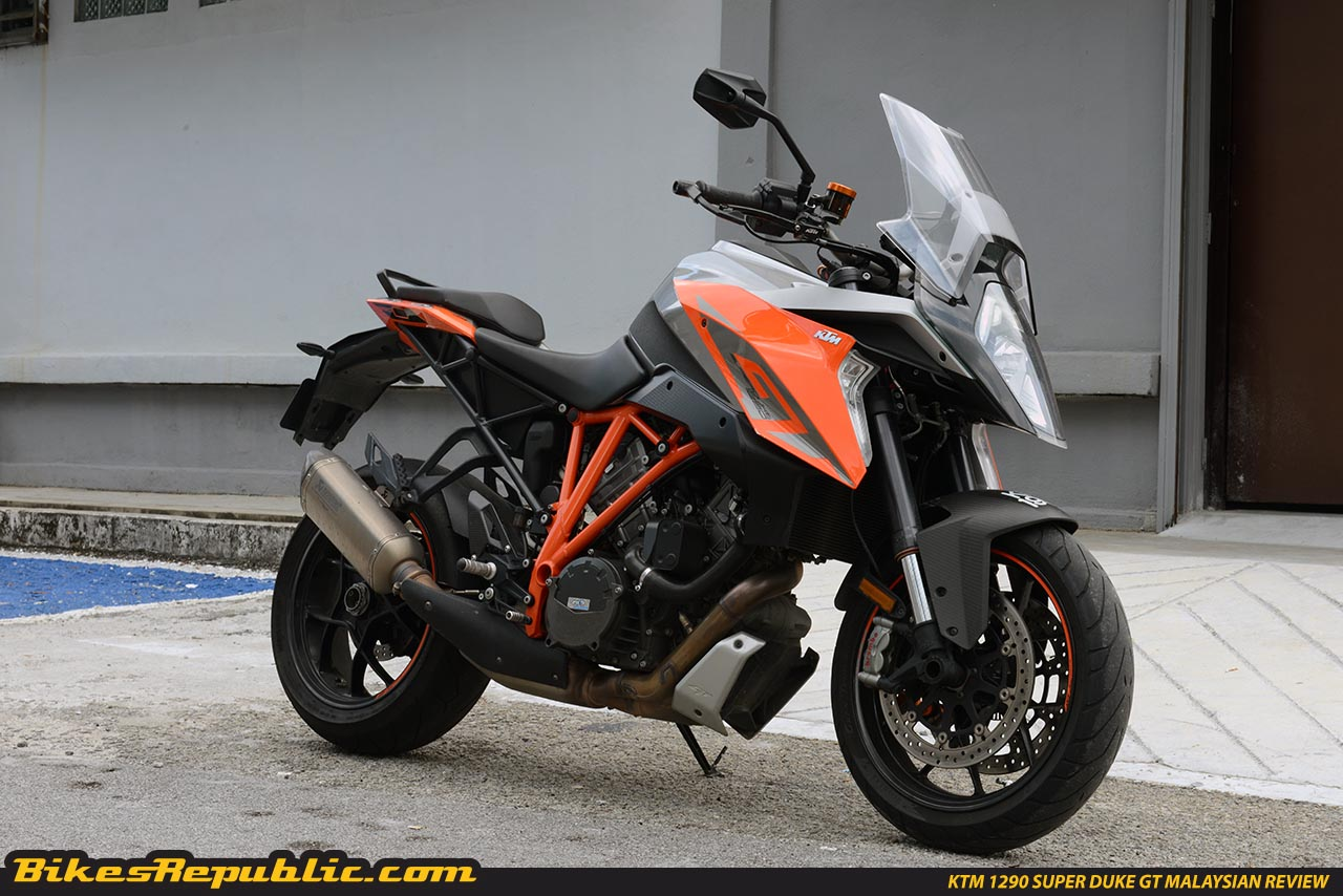 2018 ktm 1290 super duke gt spied bikesrepublic. Black Bedroom Furniture Sets. Home Design Ideas