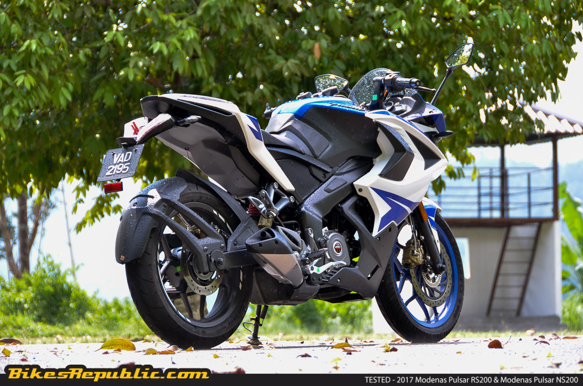 tested 2017 modenas pulsar rs200 ns200 the dynamic duo bikesrepublic. Black Bedroom Furniture Sets. Home Design Ideas