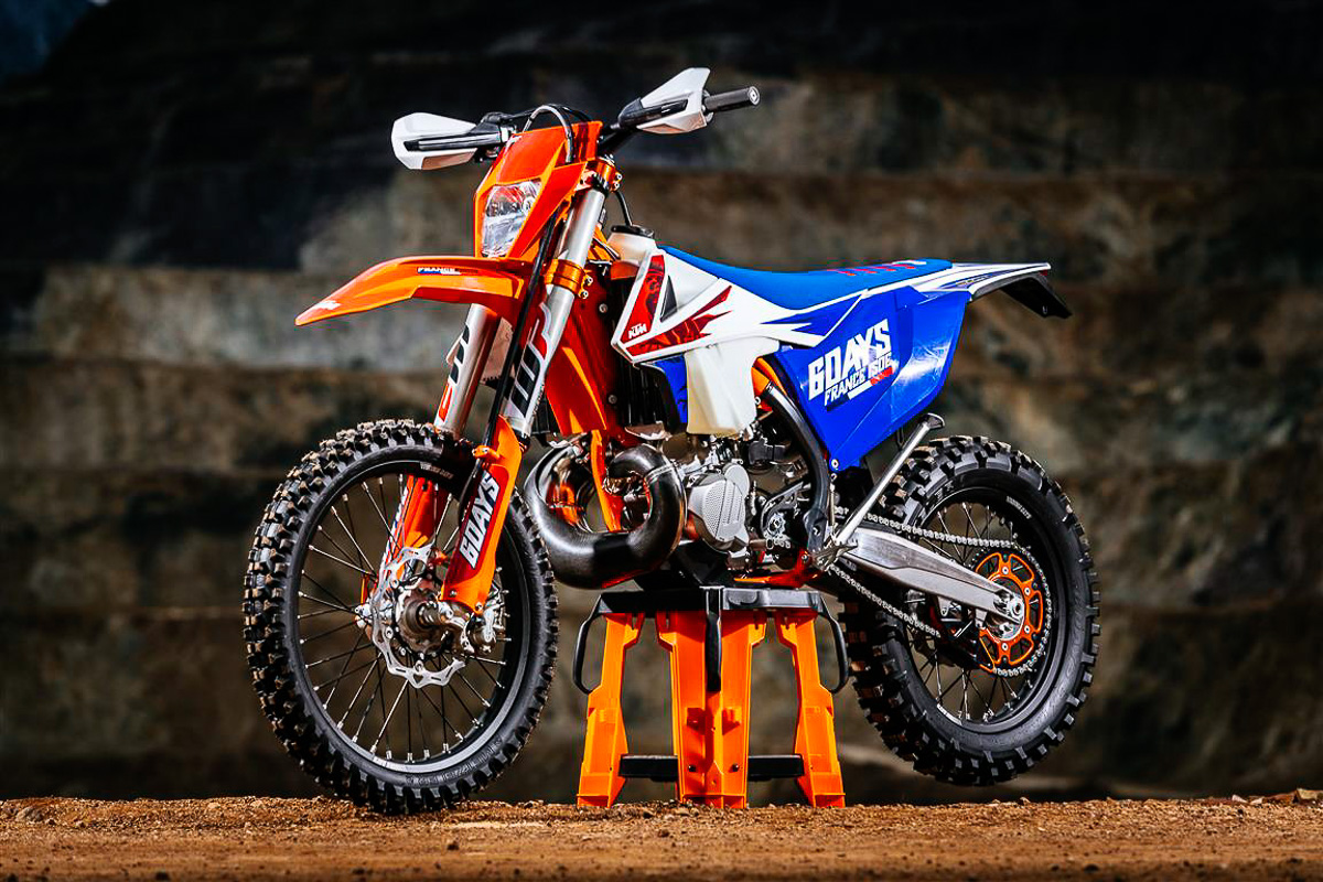 Motorcycle Stealth Enduro 250: features, reviews, features 64