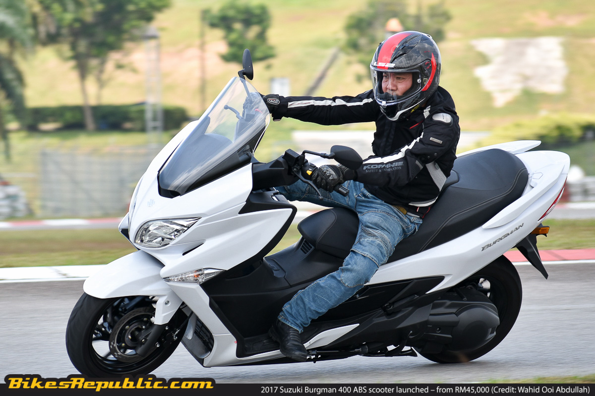 2017 suzuki burgman 400 abs scooter launched from rm45 000 bikesrepublic. Black Bedroom Furniture Sets. Home Design Ideas