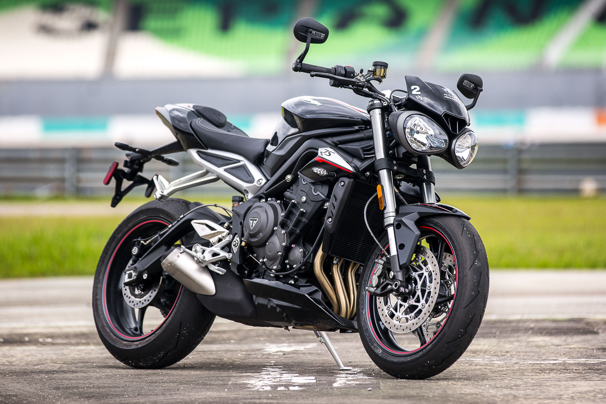 triumph tests new 765cc moto2 engine video bikesrepublic. Black Bedroom Furniture Sets. Home Design Ideas
