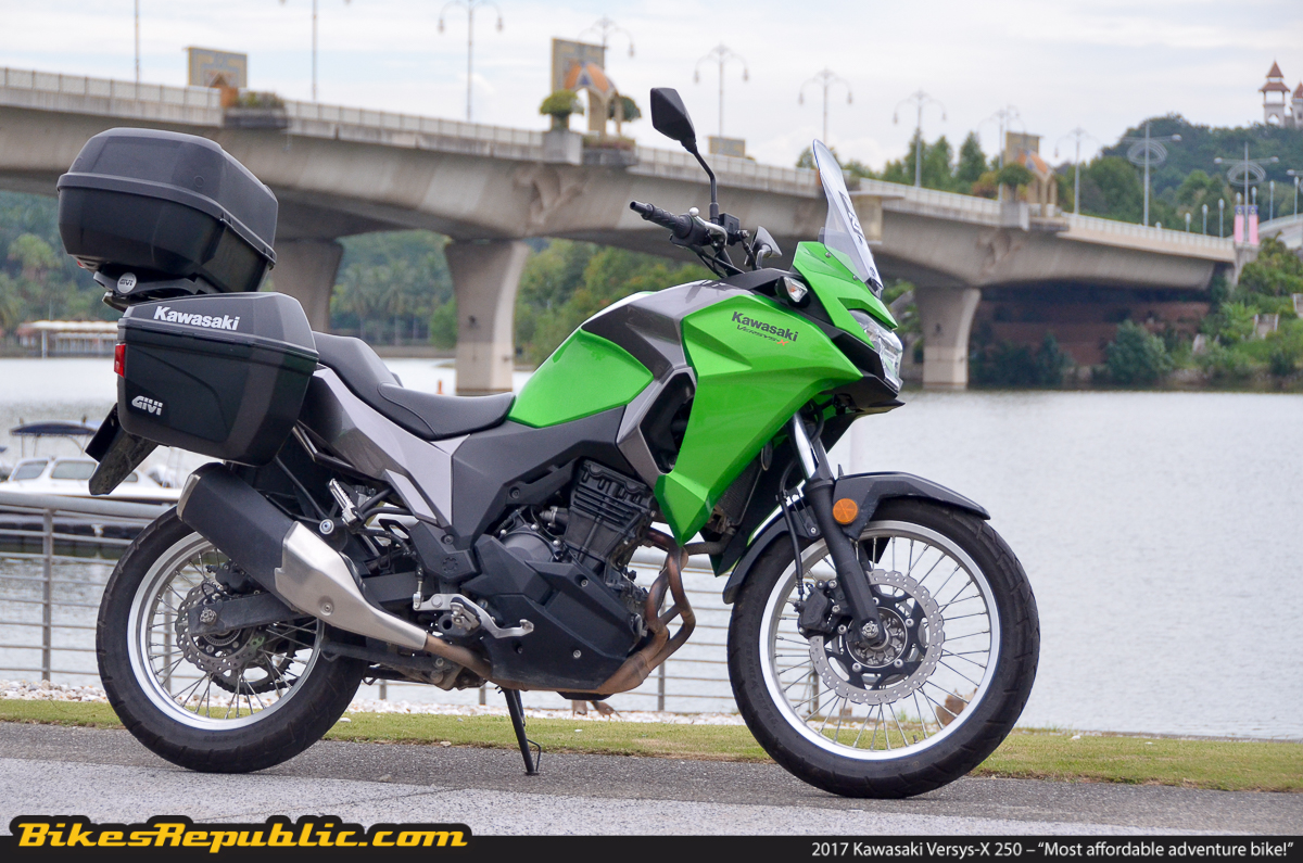 top things to love about the kawasaki versys x 250 bikesrepublic. Black Bedroom Furniture Sets. Home Design Ideas