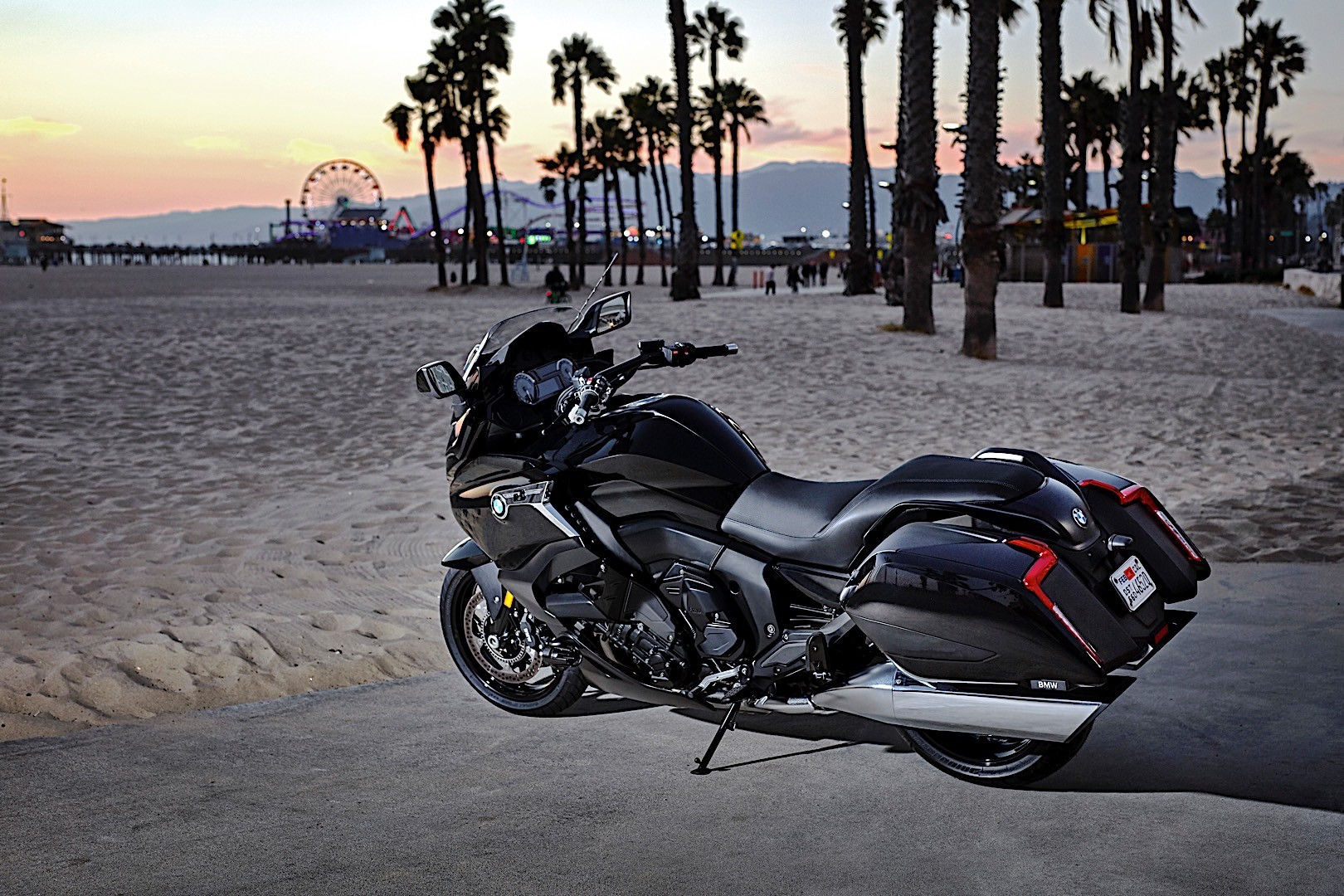 2018 bmw bagger. simple bagger new reverse assist feature for comfortable manoeuvring and shift assistant  pro shifting up down without activating the clutch the new bmw k 1600 b  on 2018 bmw bagger