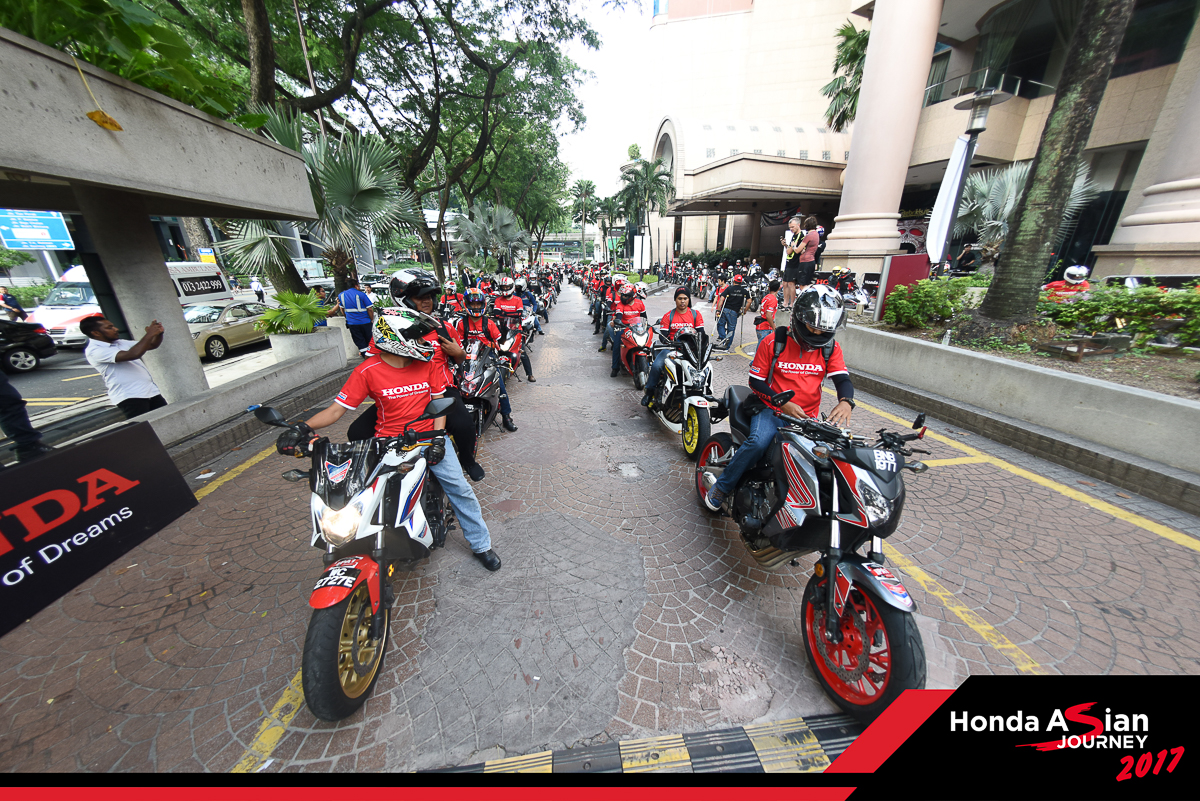 Boon Siew Honda provides assistance to Honda bike owners affected by Penang flood