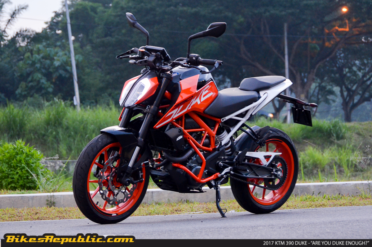 2017 ktm 390 duke are you duke enough bikesrepublic. Black Bedroom Furniture Sets. Home Design Ideas