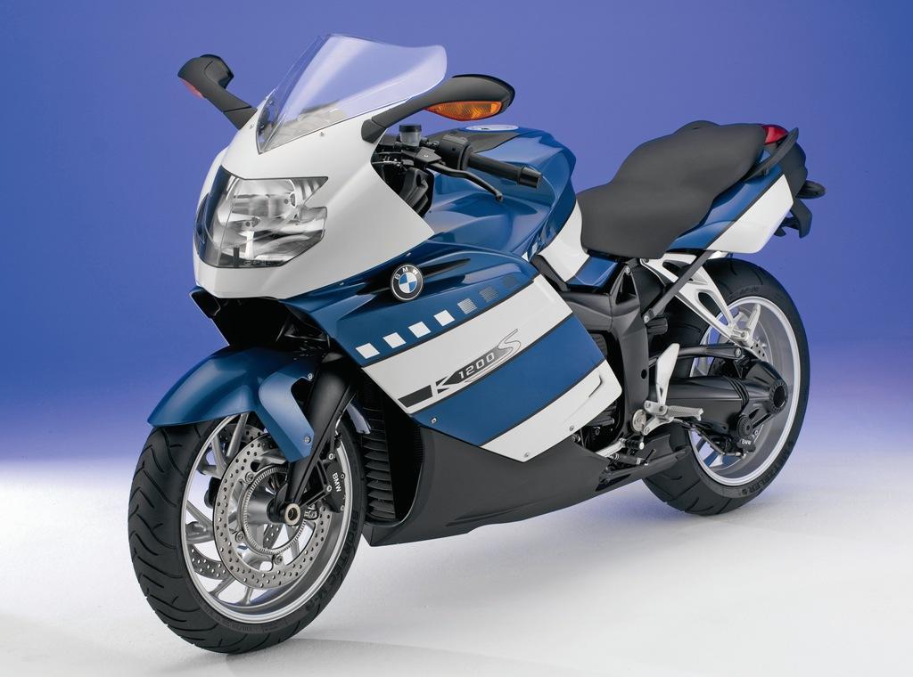 top motorcycle designers part 3 david robb bikesrepublic. Black Bedroom Furniture Sets. Home Design Ideas