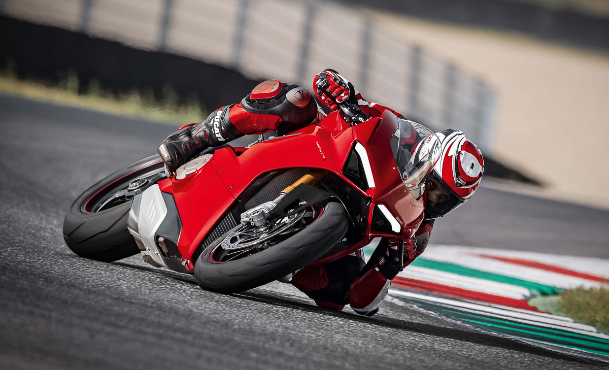 Ducati launches 2018 Ducati Panigale V4 – 212hp and 120Nm of pure power