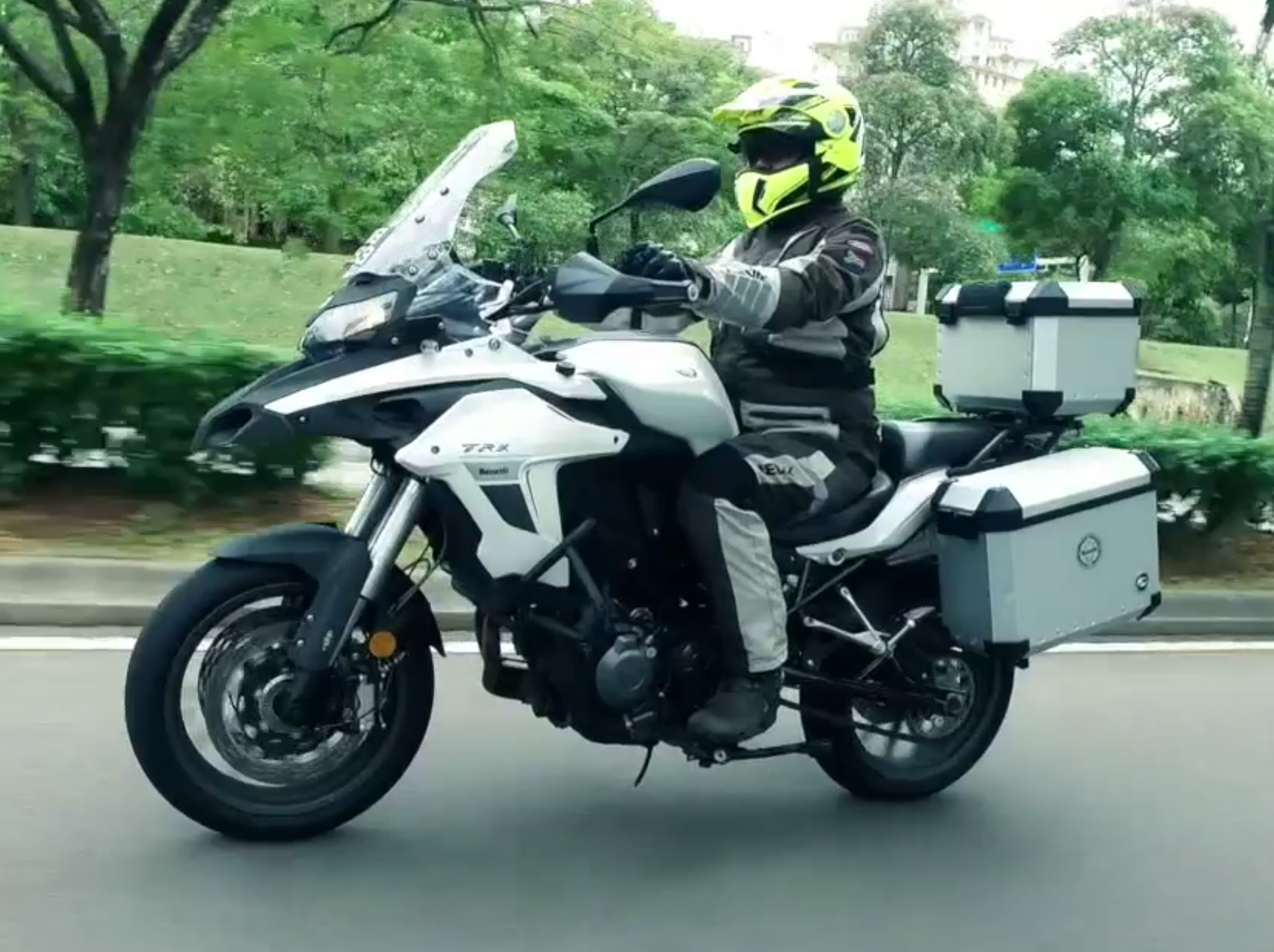 Benelli Trk 502 Test Amp Review Touring On A Budget