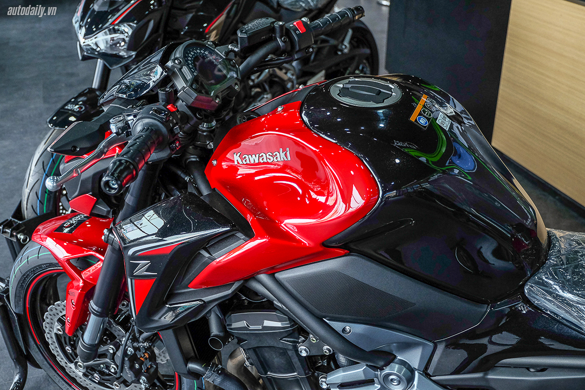2018 Kawasaki Z900 Abs Special Edition Candy Persimmon Red 3