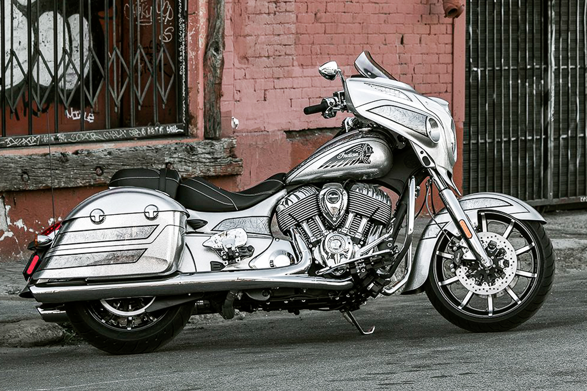 2018 indian chieftain elite limited edition unveiled silver surfer bikesrepublic. Black Bedroom Furniture Sets. Home Design Ideas
