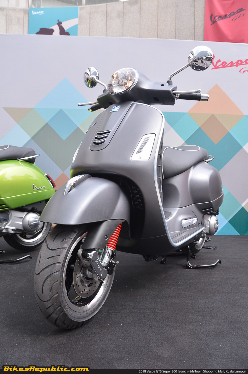 2018 vespa gts super 300 launched rm27 072 bikesrepublic. Black Bedroom Furniture Sets. Home Design Ideas