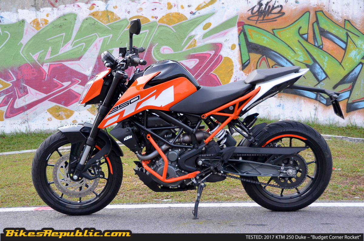 tested 2017 ktm 250 duke budget corner rocket bikesrepublic. Black Bedroom Furniture Sets. Home Design Ideas