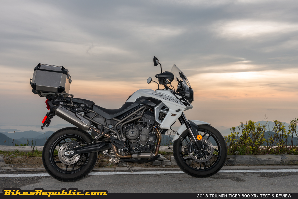 2018 triumph tiger 800 xrx test review bikesrepublic. Black Bedroom Furniture Sets. Home Design Ideas