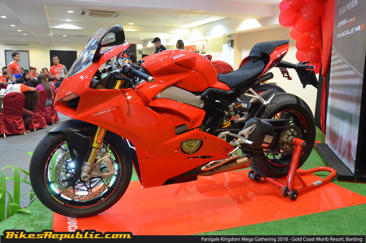 2018 ducati panigale v4 gets two recalls bikesrepublic. Black Bedroom Furniture Sets. Home Design Ideas