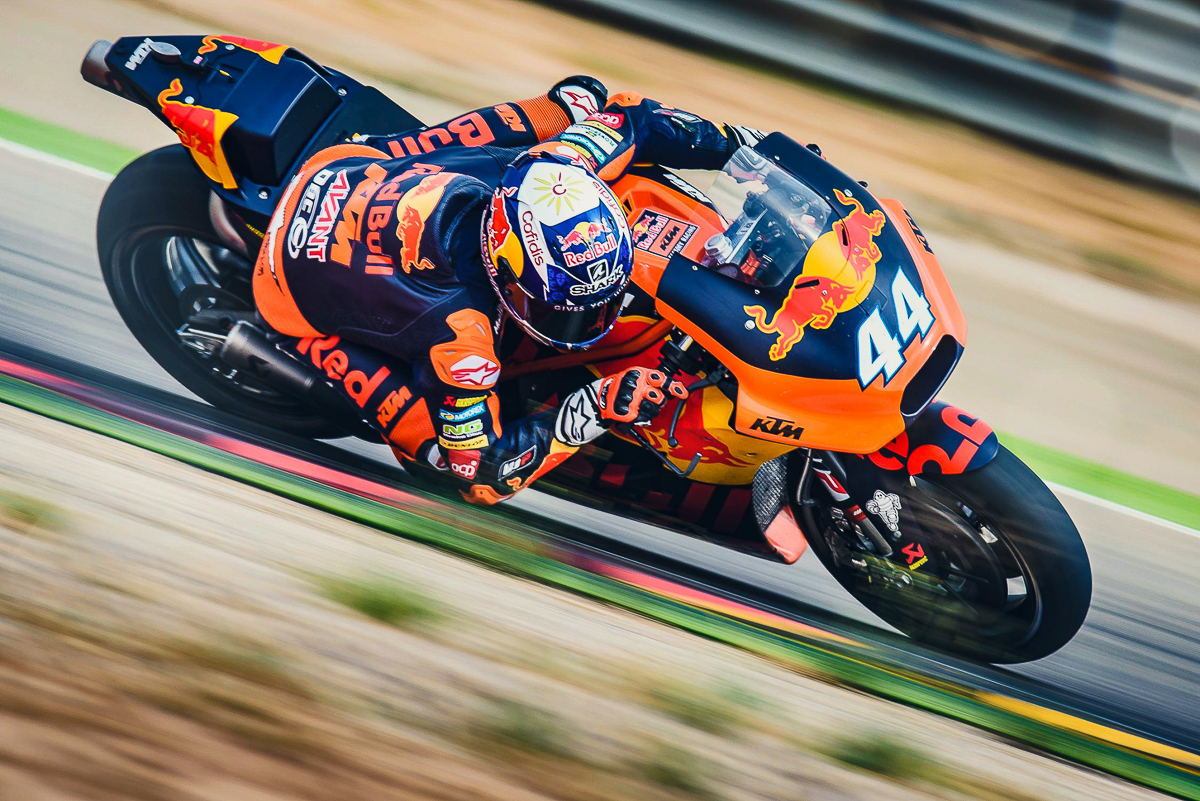 motogp miguel oliveira signs with tech 3 for 2019