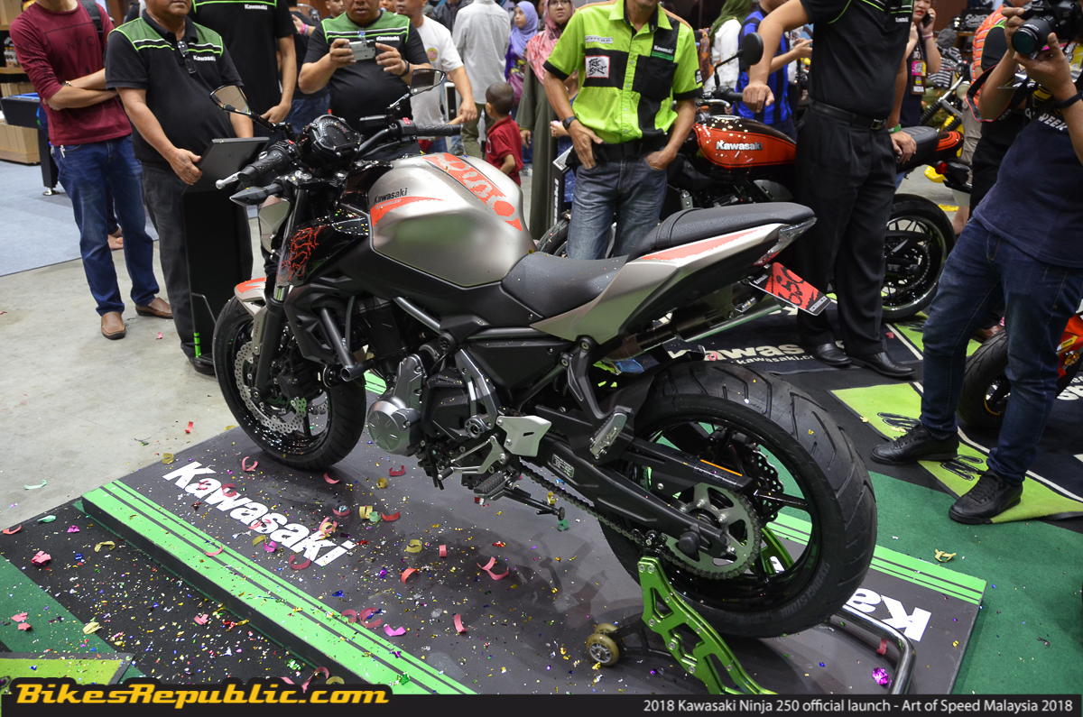 Ninja 250 KMSB Also Unveiled A Very Special Edition Kawasaki Z650 Called The 2018 Scrambler This Upgraded Comes With More Robust