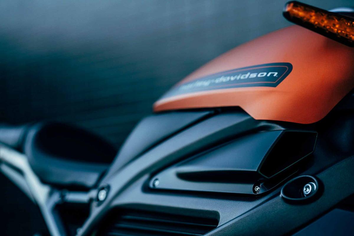 2019-Harley-Davidson-LiveWire-electric-cruiser_4 - BikesRepublic