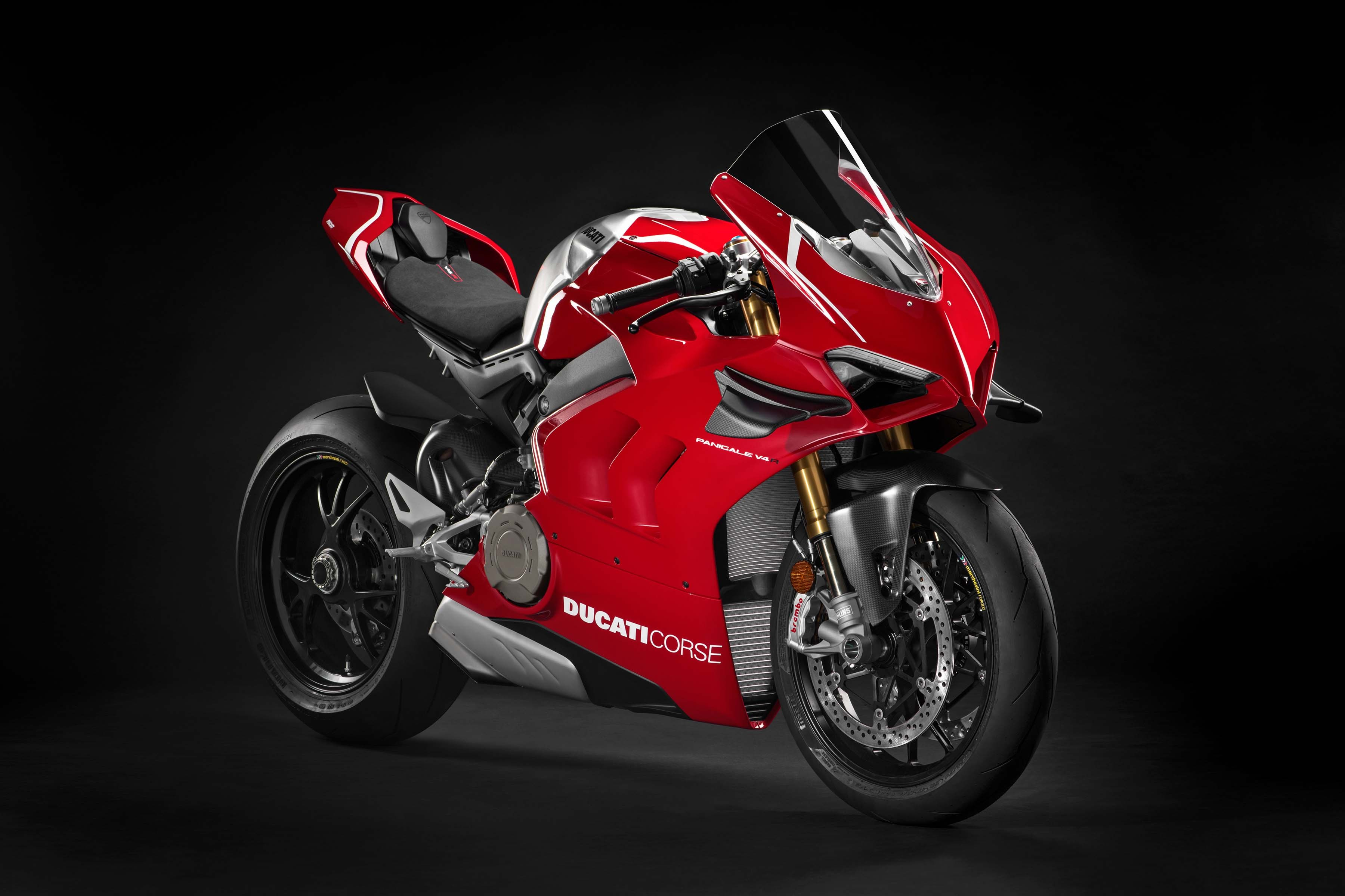2019 ducati panigale v4 r debuts at world ducati premi re 2019 bikesrepublic. Black Bedroom Furniture Sets. Home Design Ideas