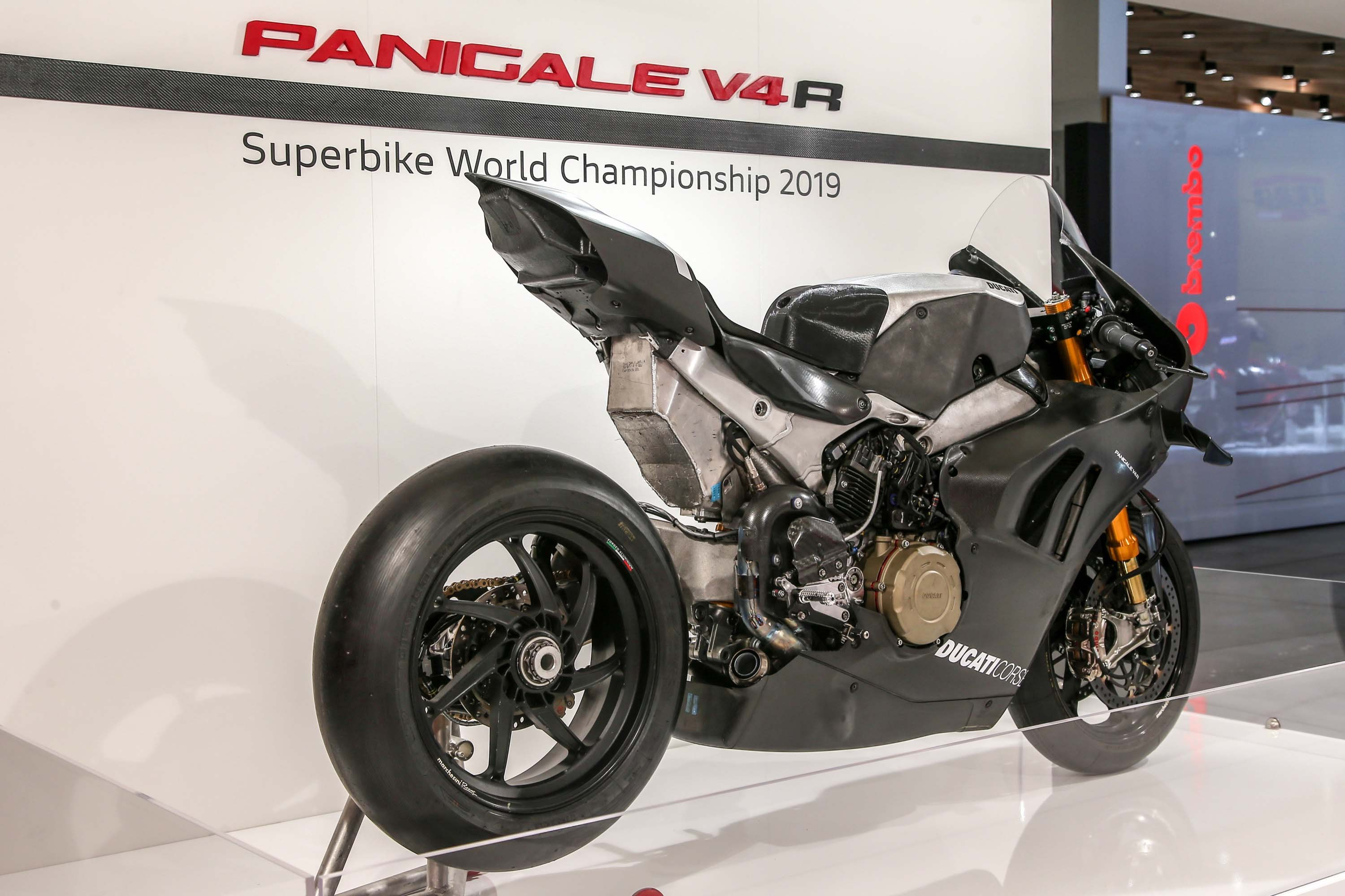 2019 ducati panigale v4 rs19 debuts at eicma 2018. Black Bedroom Furniture Sets. Home Design Ideas
