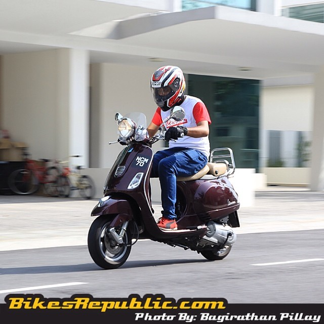 Someone in our office got a little carried away while undertaking a photoshoot with his Vespa LXV 150 i.e. test bike earlier today ? #vespa #vespamy #vespamalaysia #lxv150ie #italian #scooter #instabikes #naza #nazagroup #nazapiaggio #motoring #malaysia