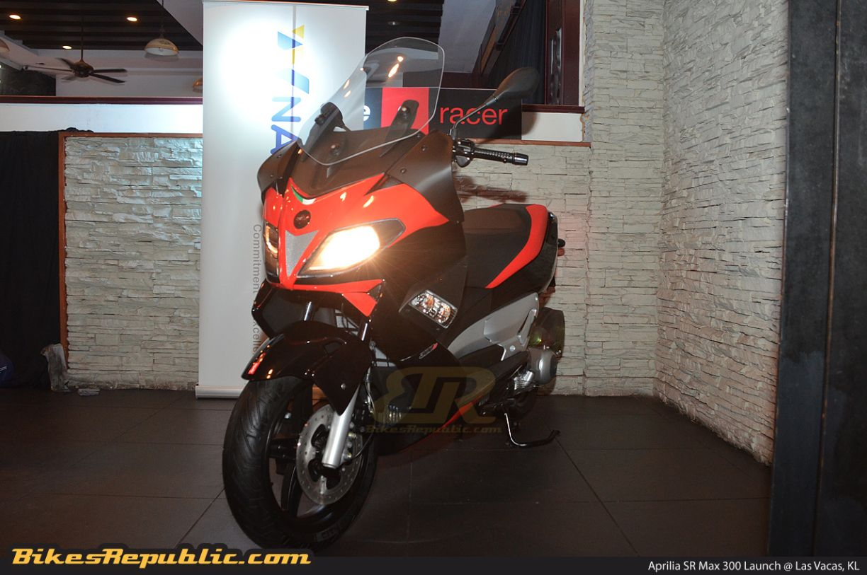 aprilia sr max 300 launched in malaysia. Black Bedroom Furniture Sets. Home Design Ideas