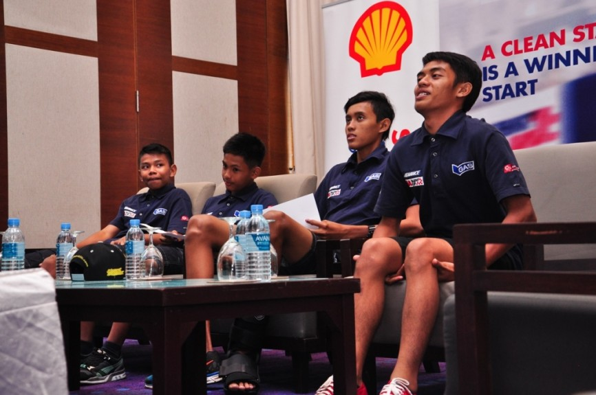 (L-R) Helmi Azman, Azroy Anuar, Fakhrusy Rostam and Shafiq Rasol polishing up their media skills at the special rider development programme organised by Shell Advance