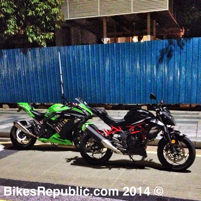 What are we up to on the third day of Syawal? Letting the Kawasaki Z250SL catch up with its cousin the Ninja 250 ? #kawasaki #250 #ninja250 #z250sl #bikesrepublic #japanese #kawasakimalaysia #instabikes #motoring #malaysia