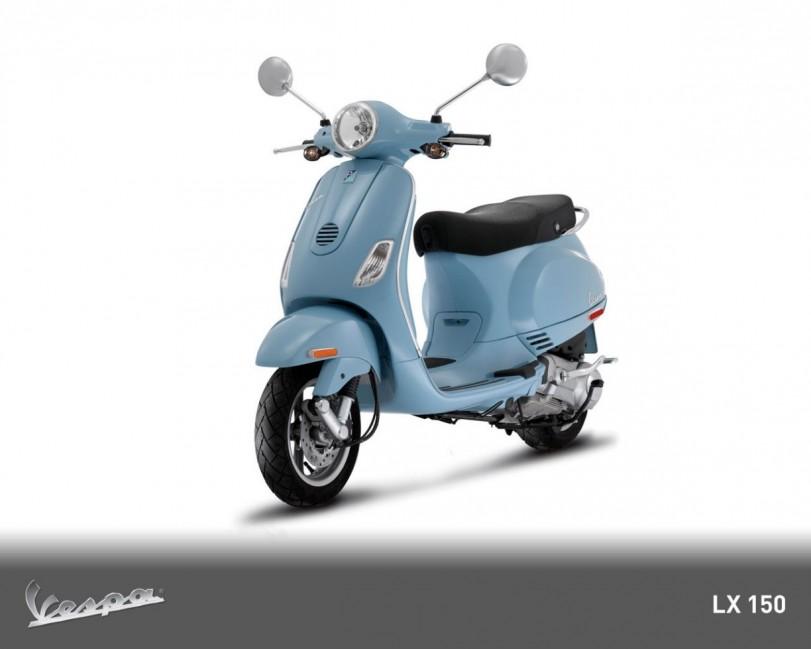2010-Vespa-LX150-ie-Front-Angle-View