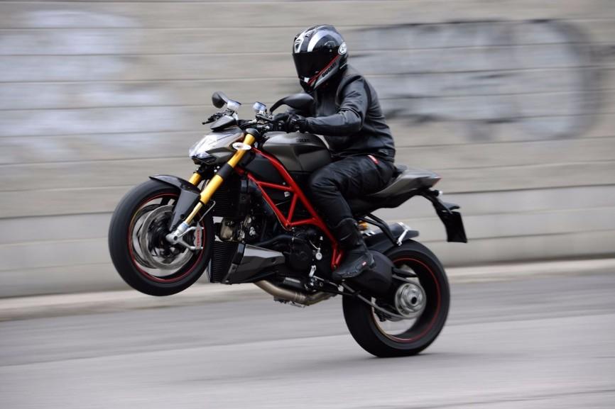 2013-Ducati-Streetfighter-S1