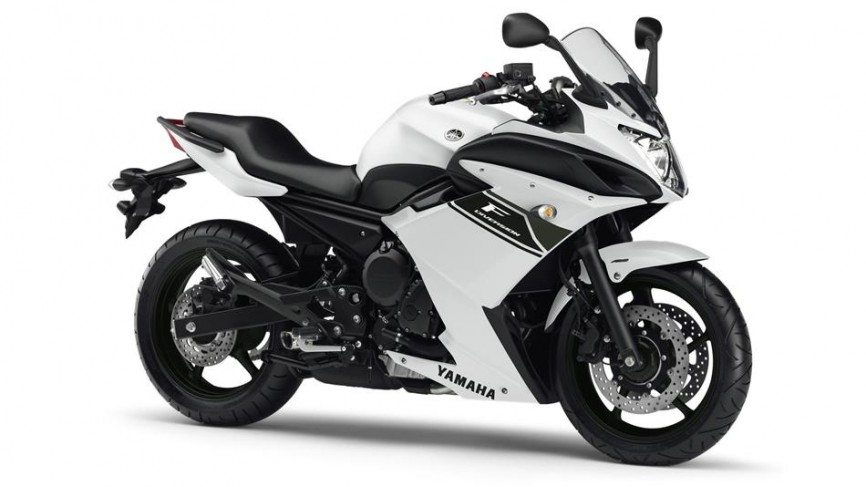 2013-Yamaha-XJ6-Diversion-F-EU-Competition-White-Studio-001