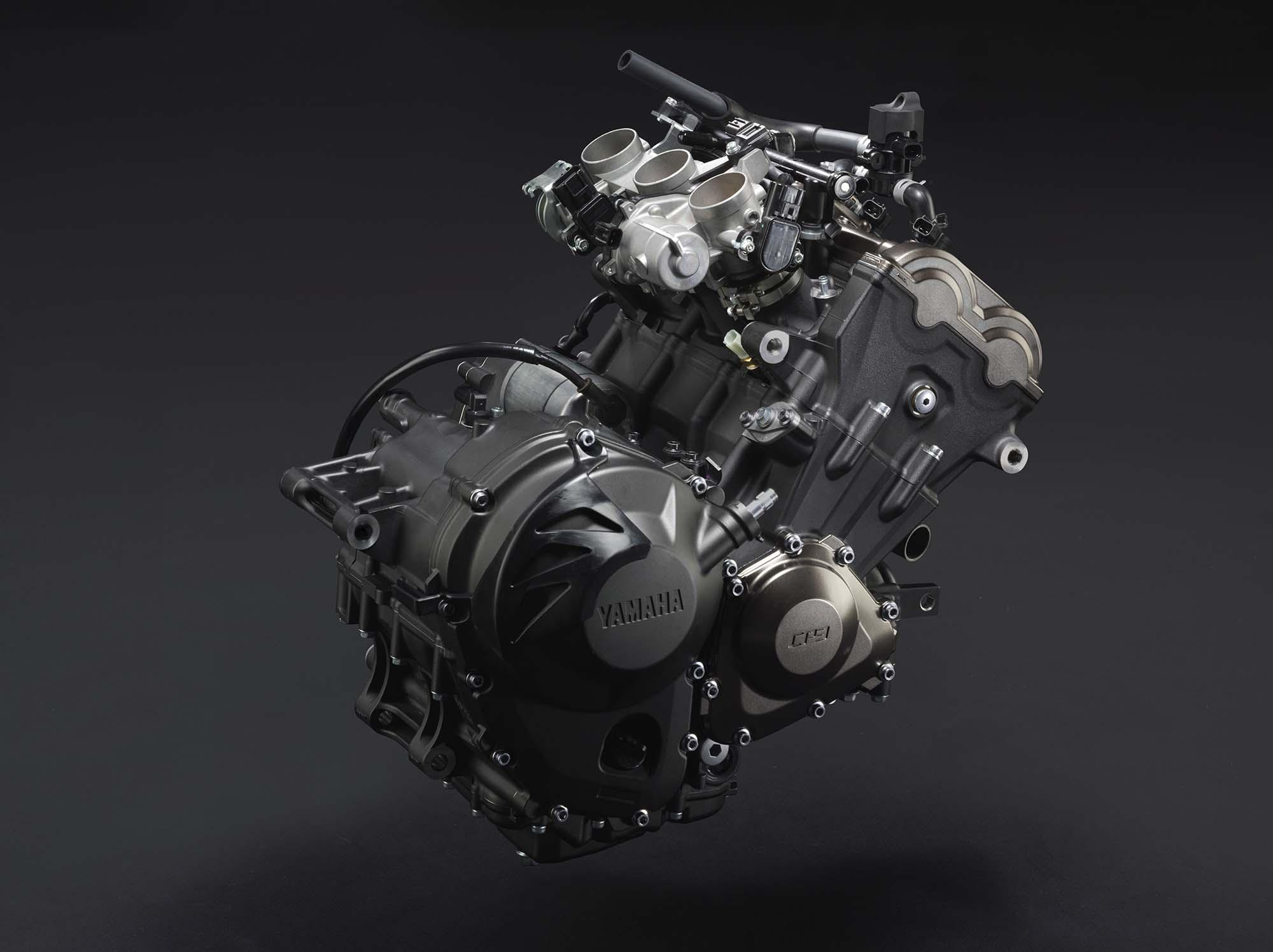 2014-Yamaha-FZ9-04