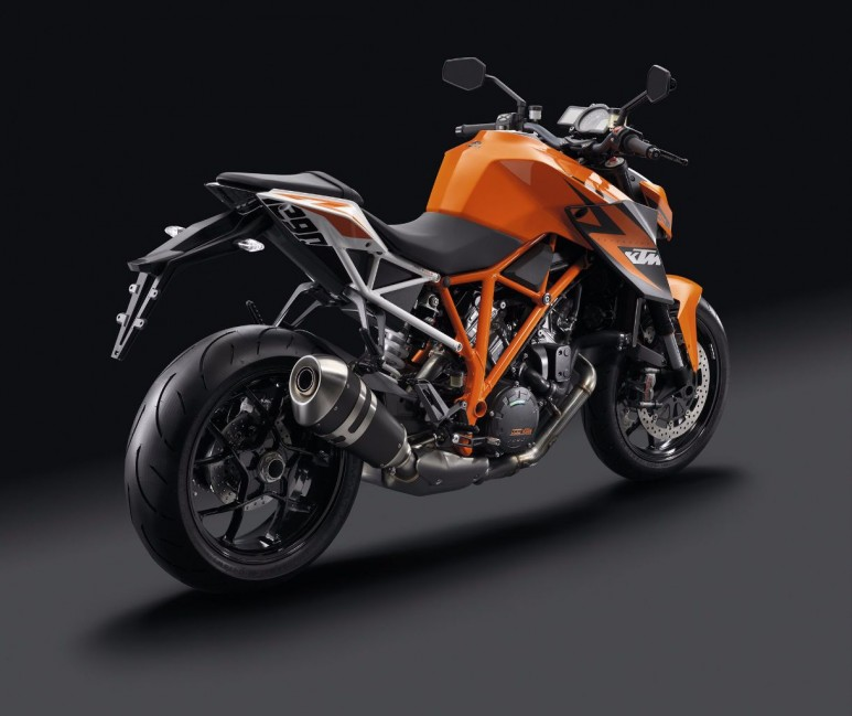2014-KTM-1290-Super-Duke-R-ABS6