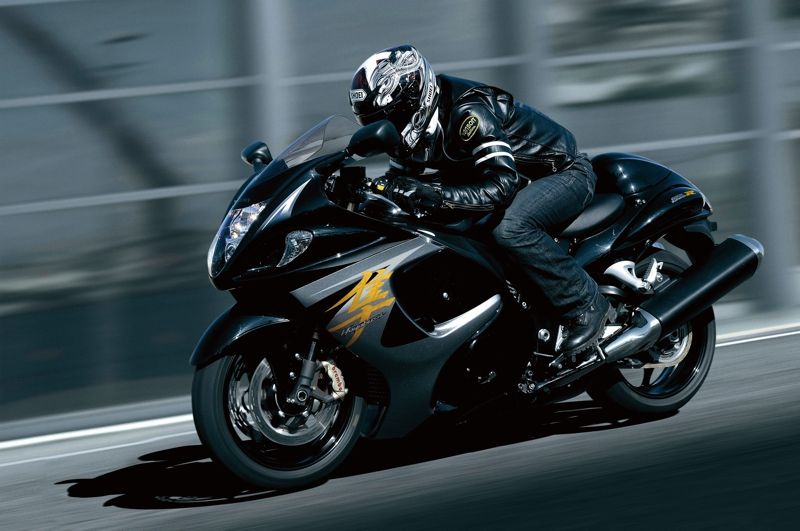 GSX1300RAL4_action_1