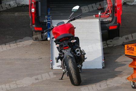 Ducati-Monster-821-450