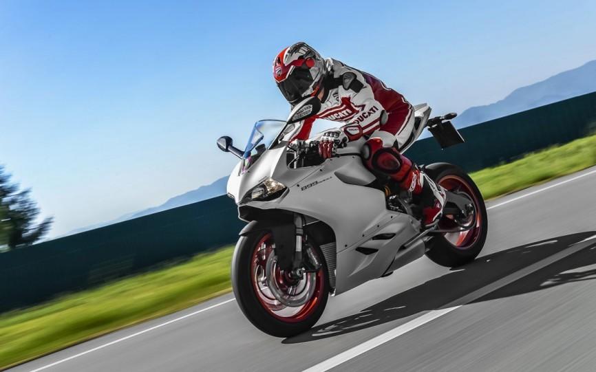 2014_Ducati_899_Panigale_1146045