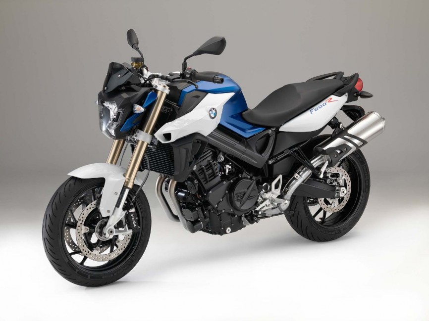 2015-BMW-F800R-studio-19