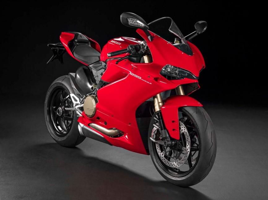 2015-Ducati-1299-Panigale-05
