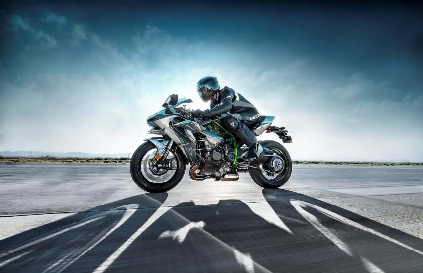2015-Kawasaki-Ninja-H2-12