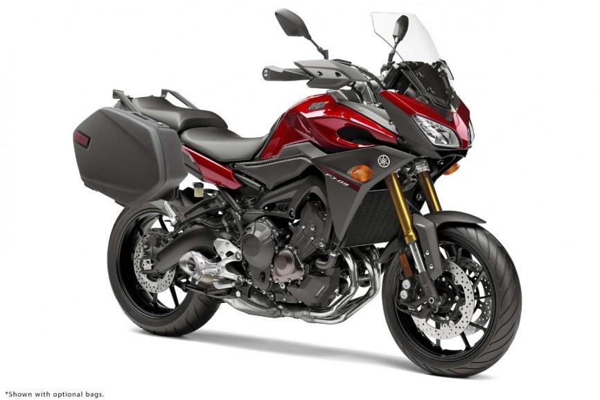 2015-Yamaha-FJ-09-MT-09-Tracer-35