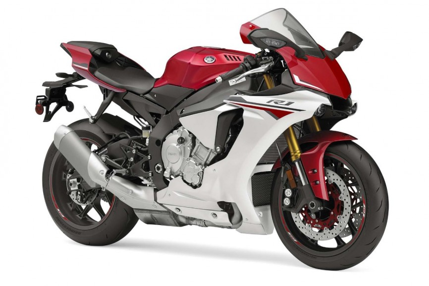 2015-Yamaha-YZF-R1-09