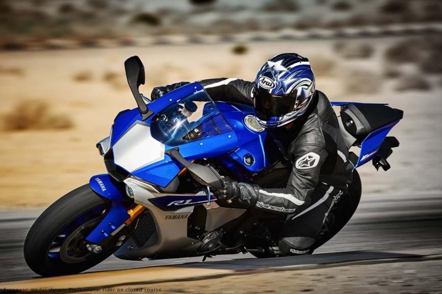 2015-Yamaha-YZF-R1-28