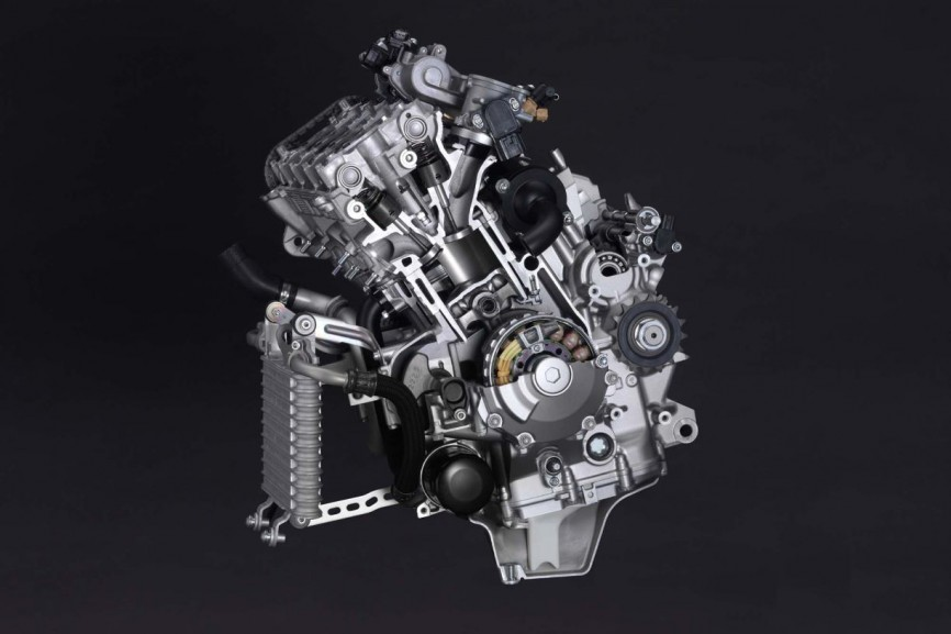 2015-Yamaha-YZF-R1-66